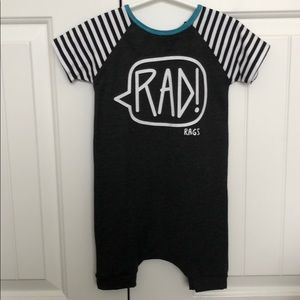 "RAGS TO RACHES ""Rad!"" Short Sleeve Short Rag"